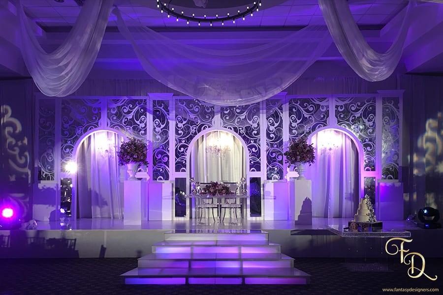 Wedding-sweet-heart-table-decor